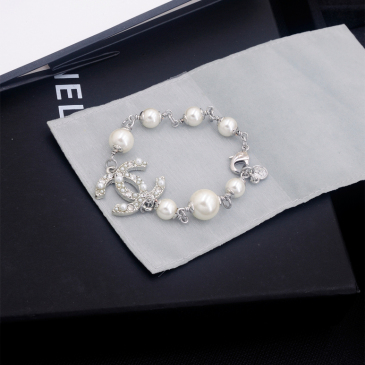 Chanel brooches #99904831