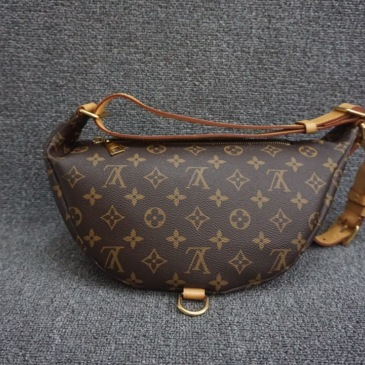 Louis Vuitton waist bag Hot style breast pack Fanny pack #9122045