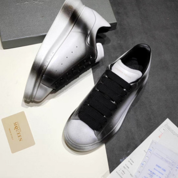 Alexander McQueen Shoes for Unisex McQueen Sneakers #9121282