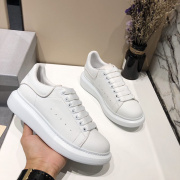Alexander McQueen Shoes for Unisex McQueen White Sneakers #952778