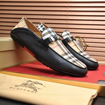 Burberry Shoes for Men's Sneakers #999902212