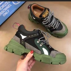 Gucci Shoes for Gucci Unisex Shoes #9126097