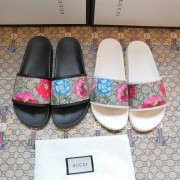 Gucci Slippers for Men and Women Unisex Gucci Sliders #99116706