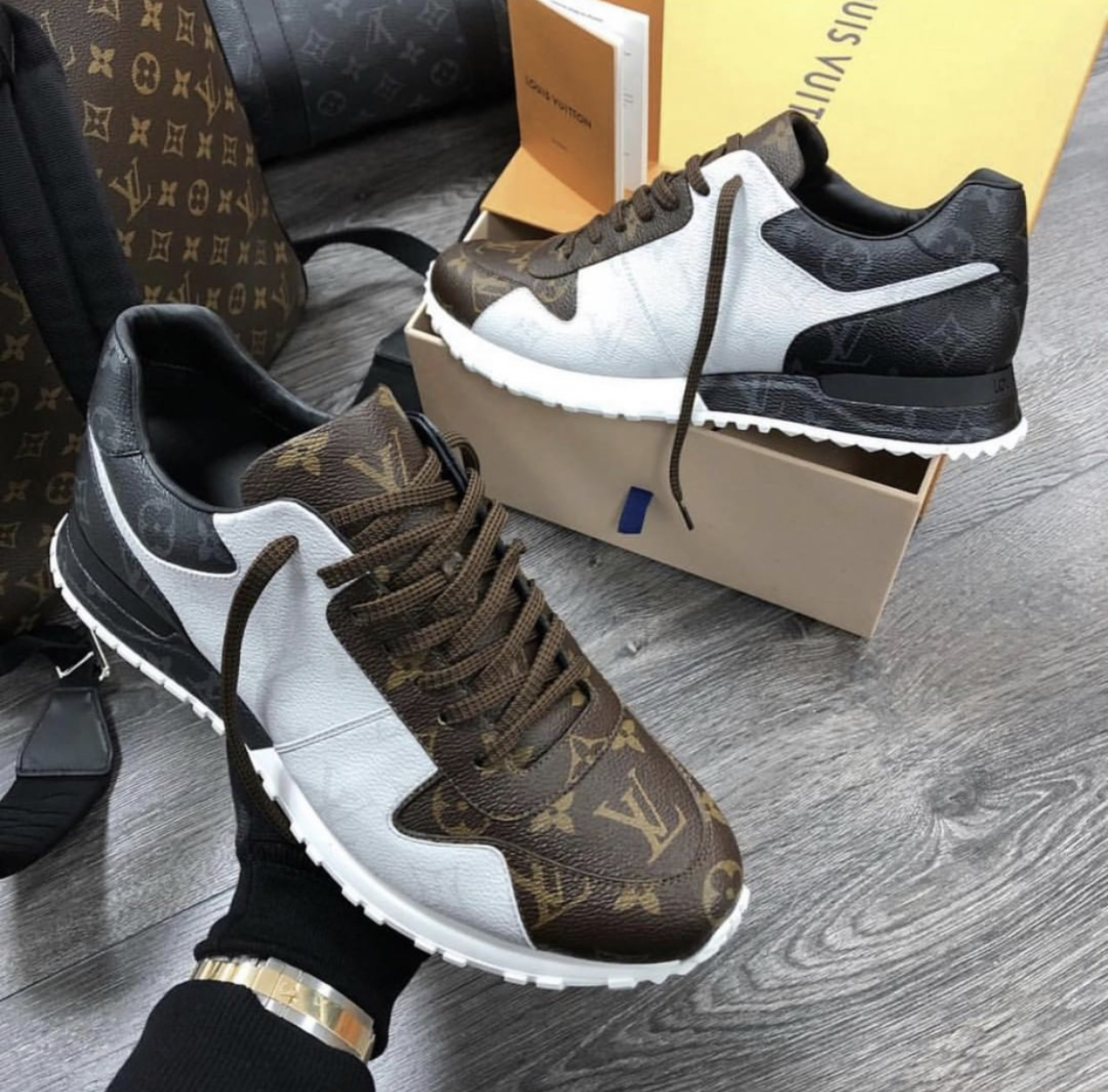 Louis Vuitton Shoes for Men's Louis Vuitton Sneakers #9115930