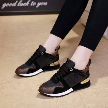 Louis Vuitton Shoes for Women #841442